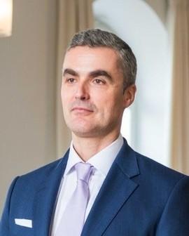 Dr. Olaf Mäder